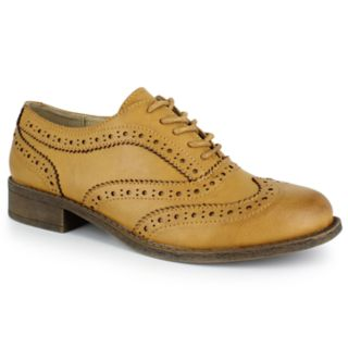 Dolce by Mojo Moxy Riley Women's Wingtip Dress Shoes