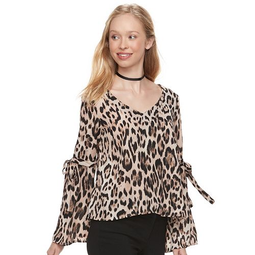 Juniors' Lily Rose Tie Sleeve V-Neck Top