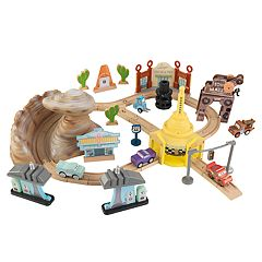 Disney / Pixar Cars 3 50 Piece Radiator Springs Track Set By KidKraft