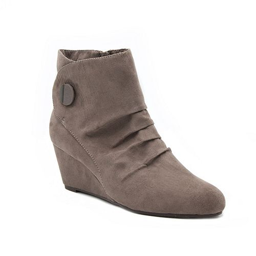 London Fog Janeway Women's Wedge Ankle Boots