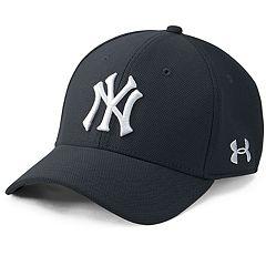 34109ecc7b4 Men s Under Armour New York Yankees Blitzing Adjustable Cap