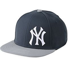 Youth Under Armour New York Yankees Adjustable Snapback Cap