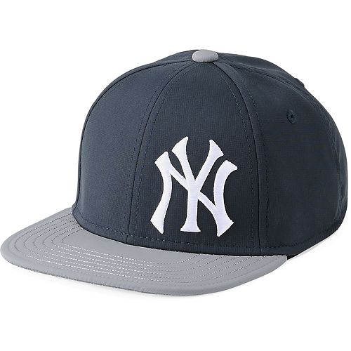 Youth Under Armour New York Yankees Adjustable Snapback Cap d898cb1e903
