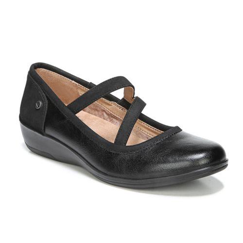 LifeStride Velocity Indira ... Women's Wedge Mary Jane Shoes