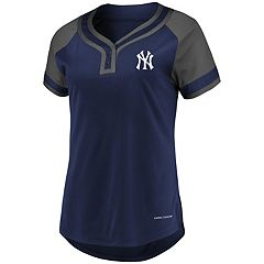 Women's Majestic New York Yankees Snap Top