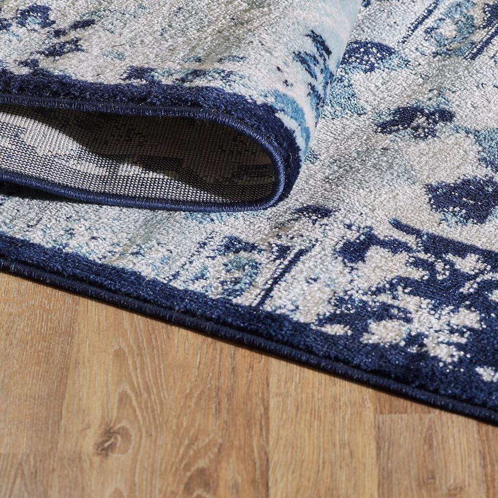 VCNY Patchwork Rug