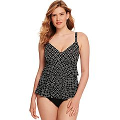 Women's Croft & Barrow® Hip Minimizer Tiered One-Piece D-Cup One-Piece Swimsuit