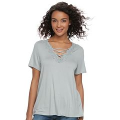 Juniors' Cloud Chaser Floral Crochet V-Neck Tee