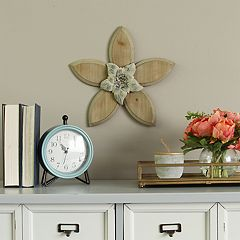 Stratton Home Decor Flower Rustic Wall Decor