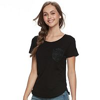 Juniors' SO® Crocheted Pocket Tee