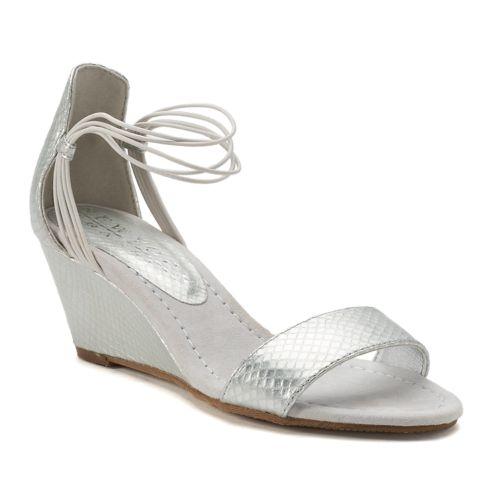 New York Transit Bring Music ... Women's Wedge Sandals
