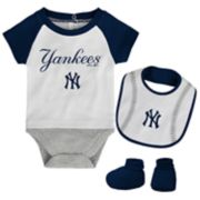 Baby New York Yankees  Bodysuit, Bib & Booties Set
