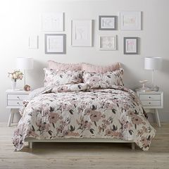 LC Lauren Conrad Pretty Floral Cloud Quilt Set