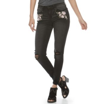 Juniors' Vanilla Star Destructed Floral Embroidered Mid-Rise Skinny Jeans