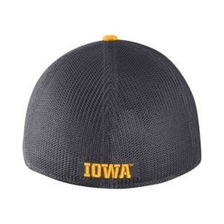 Adult Nike Iowa Hawkeyes Aerobill Flex-Fit Cap
