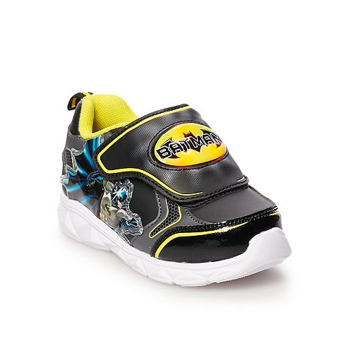 80a5fbb650cd DC Comics Batman Toddler Boys  Light Up Shoes