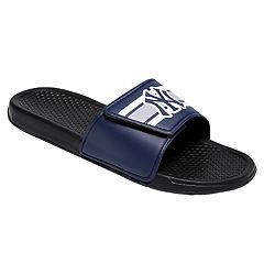 Men's Forever Collectibles New York Yankees Legacy Slide Sandals