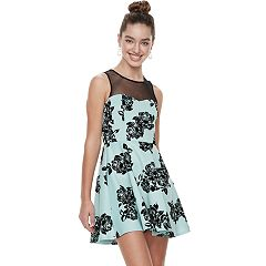 Juniors' Three Pink Hearts Rose Illusion Puff Scuba Skater Dress