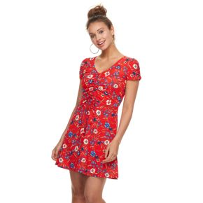 Juniors' Almost Famous Floral Ruched Skater Dress
