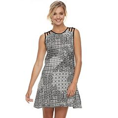 Juniors' Speechless Lattice Shoulder Shift Dress