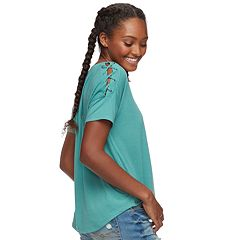 Juniors' SO® Lace-Up Shoulder Tee