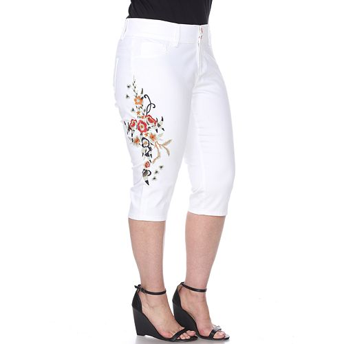 Plus Size White Mark High Rise Floral Embroidered Capris