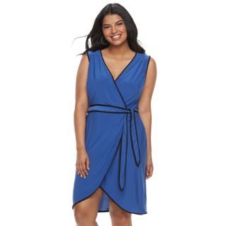 Juniors' Plus Size Wrapper Contrast Trim Wrap Dress