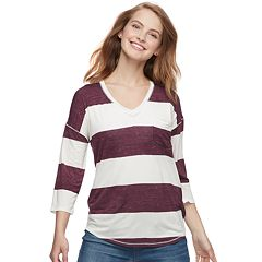 Juniors' SO® Relaxed V-Neck Tunic Tee