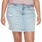 Juniors' Plus Size Rewash Frayed Light Wash Mini Jean Skirt
