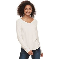 Juniors' SO® Perfect V-Neck Tee