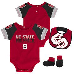 Baby North Carolina State Wolfpack 50 Yard Dash Bodysuit, Bib & Booties Set