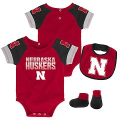 Baby Nebraska Cornhuskers 50 Yard Dash Bodysuit, Bib & Booties Set