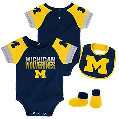 Baby Michigan Wolverines 50 Yard Dash Bodysuit, Bib & Booties Set
