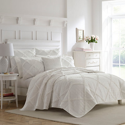 Laura Ashley Lifestyles Maisy Quilt Set