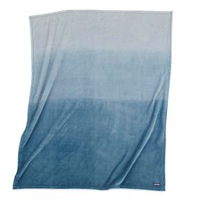 IZOD Sheared Ombre Blue Throw