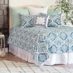 Carol & Frank Renee Damask Quilt Set
