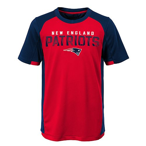 Boys 8-20 New England Patriots Circuit Breaker Tee