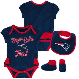 Baby Girl New EnglandPatriots Mini Trifecta Bodysuit, Bib & Booties Set