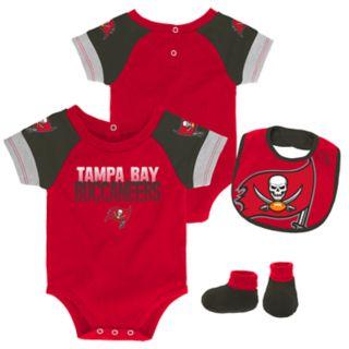 Baby Tampa Bay Buccaneers 50 Yard Dash Bodysuit, Bib & Booties Set