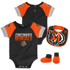 Baby Cincinnati Bengals 50 Yard Dash Bodysuit, Bib & Booties Set