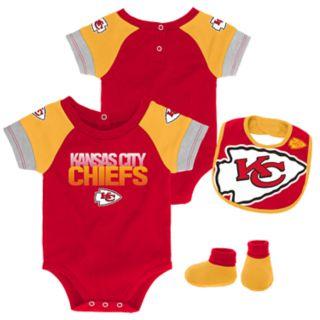 Baby Kansas City Chiefs 50 Yard Dash Bodysuit, Bib & Booties Set