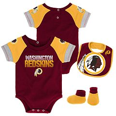Baby Washington Redskins 50 Yard Dash Bodysuit, Bib & Booties Set