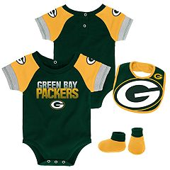 Baby Green Bay Packers 50 Yard Dash Bodysuit, Bib & Booties Set