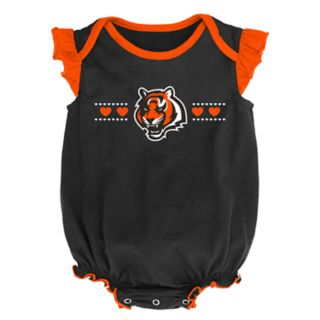 Baby Girl Cincinnati Bengals Homecoming Bodysuit Set