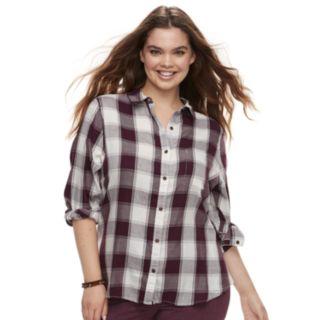 Juniors' Plus Size SO® Plaid Button Down Shirt