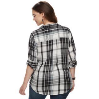 Juniors' Plus Size SO® Button Down Shirt