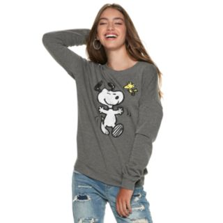 Juniors' Peanuts Snoopy & Woodstock Dancing Top
