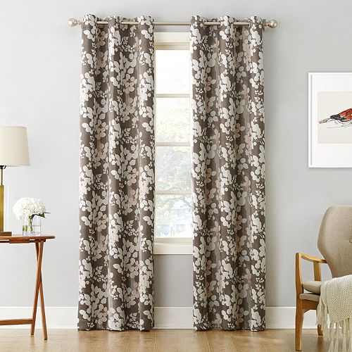 Sun Zero Blackout 1-Panel Piper Foliage Print Curtain