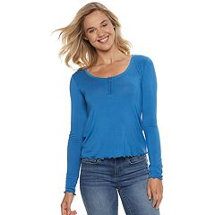 Juniors' SO® Ruffled Henley Top
