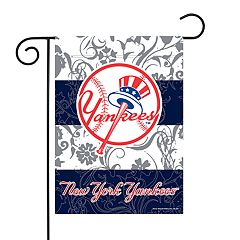 New York Yankees Garden Flag with Pole
